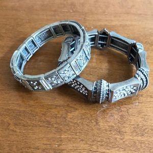 Set of 2 silver bracelets